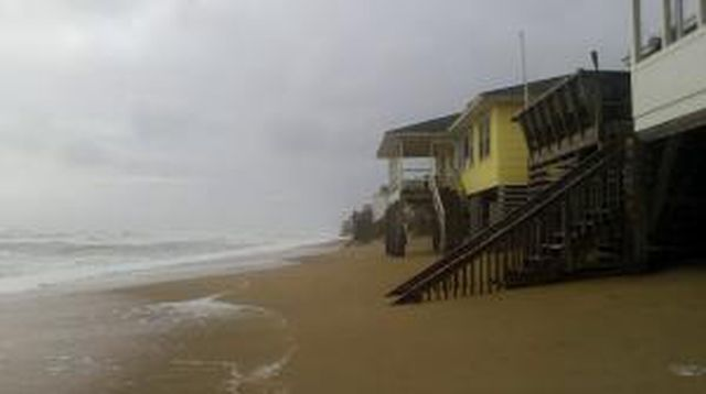 Surf Cam #2 of Kitty Hawk, NC on closest approach of Joaquin (2015)