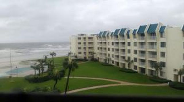 Hurricanetrack.com Mark Sudduth NSB South Webcam (Matthew)