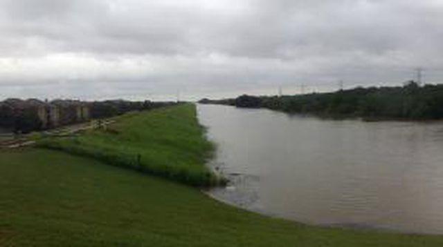 Hurricanetrack.com Mark Sudduth  Barker Cypress Road at Addicks Reservoir Cam 5 Harvey (2017)