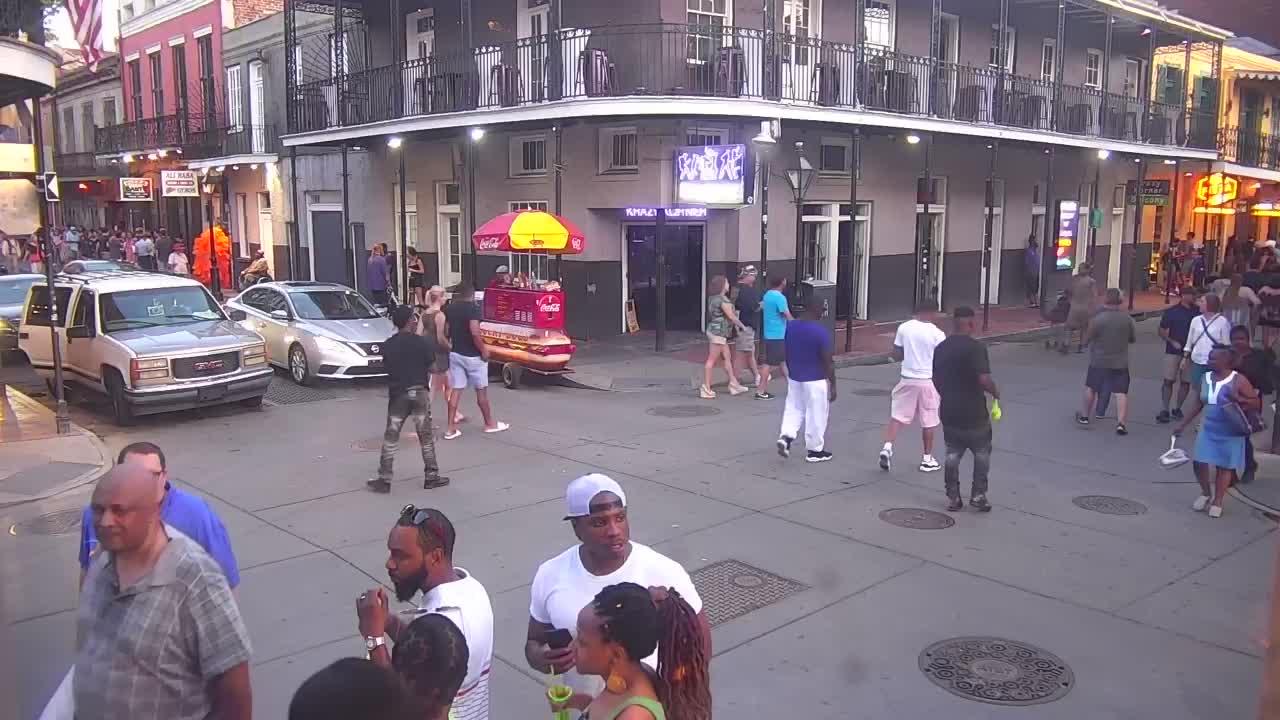 Bourbon Street Webcam Recording Barry (2019)
