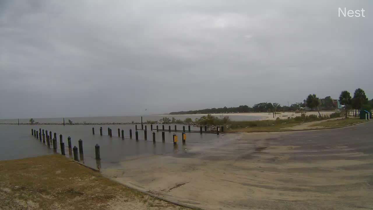 Hurricanetrack.com Courthouse Pier Cam 1 Zeta (2020)